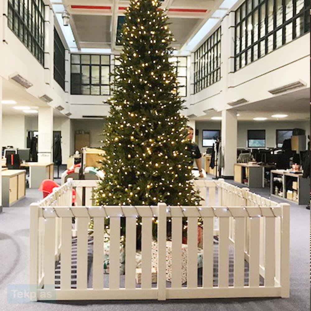 christmas-tree-fence-4