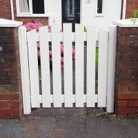 Plastic Gate Slatted