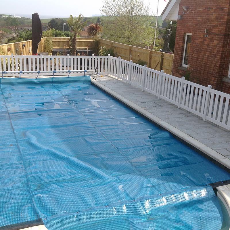 Swimming pool fencing plastic tekplas